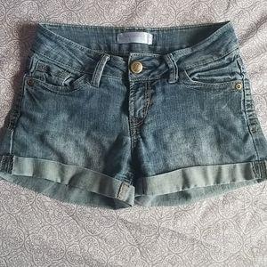 No Boundaries jean shorts
